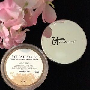 It cosmetics bye-bye pores - light